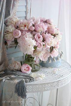 """vintagestoriesandstyle: """"Vintage decor with pink peonies. """""""