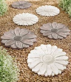 Build a more unique walking path through the garden using our Floret Stepping Stones. Cast in durable, lightweight resin with such intricate detail, you may choose to hang them as wall décor; each stone features an incorporated keyhole on its reverse.