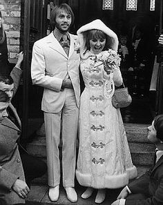1960s photo of British pop singer Lulu and her newly wed husband (whoevertheheck he is!).