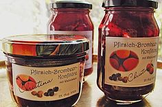 Pfirsich - Brombeer - Konfitüre mit Walnüssen