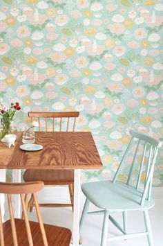 The wallpaper Little Light Turkos - from Majvillan is a wallpaper with the dimensions x m. The wallpaper Little Light Turkos - belongs t Northern Lights Wallpaper, Lit Wallpaper, Wallpaper Online, Design Home App, House Design, Light Green Walls, Waste Paper, Light Turquoise, Fairy Houses