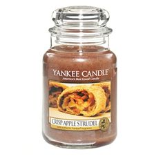 An American Favourite … golden and crisp on the outside, tart apples and brown sugar on. 'Crisp Apple Studle' is from the Limited Edition Collection, My Favourite Things by Yankee Candle. Available to purchase online at http://www.yankee.co.uk