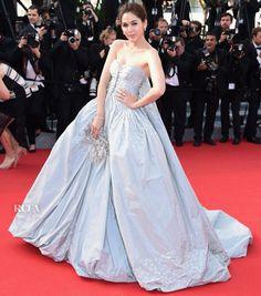 Araya A. Hargate In Zac Posen – 'Clouds Of Sils Maria' Cannes Film Festival Premiere