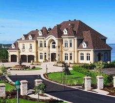 """Luxury Homes Interior Dream Houses Exterior Most Expensive Mansions Plans Modern 👉 Get Your FREE Guide """"The Best Ways To Make Money Online"""" Future House, My House, Extravagant Homes, Dream Mansion, Beach Mansion, Dream House Exterior, Big Houses Exterior, Large Homes Exterior, Luxury Homes Exterior"""
