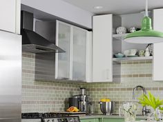 Designing a kitchen is all about blending the right ingredients. The Sarah 101…