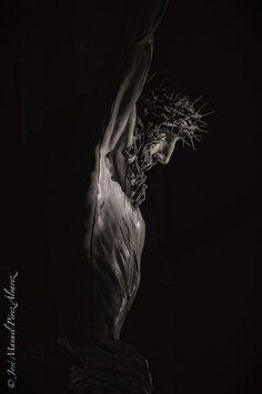 Puesto al culto el Cristo de la Vera-cruz depues de la restauración. Christ Tattoo, Jesus Tattoo, Jesus Our Savior, Jesus Art, Catholic Art, Religious Art, Jesus Drawings, Pictures Of Jesus Christ, Religion
