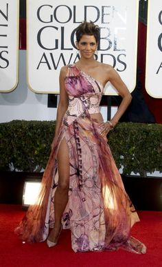 Photos from the Red Carpet: The 70th Annual Golden Globe Awards - Halle Berry