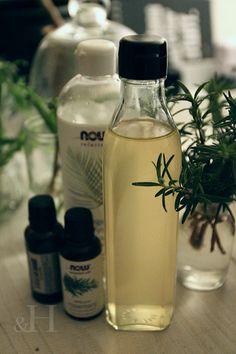 ローズマリーリンス 【簡単に出来る手作りハーブリンス】 | &H Beauty Care, Beauty Hacks, Naturopathy, Diy And Crafts, Life Hacks, Hair Care, Essential Oils, Spices, Water Bottle