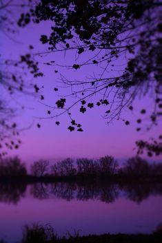 Mor/Purple Wallpapers ⚘ Violet Aesthetic, Dark Purple Aesthetic, Lavender Aesthetic, Aesthetic Colors, Aesthetic Photo, Aesthetic Pictures, Purple Aesthetic Background, Aesthetic Style, Aesthetic Pastel Wallpaper