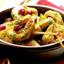 This starter hails from Rioja and Navarra — regions where artichokes are abundant and pigs feast on the fertile terrain.