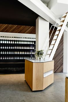 Rising interior design star Travis Walton produced a harmony of natural textures for this recently opened cold pressed juice bar in Prahran.
