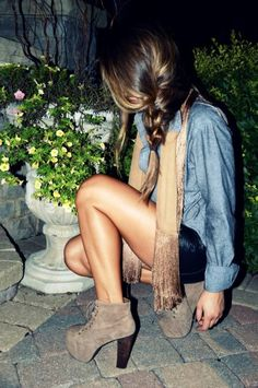 I'm obsessed with this braid and her outfit. Don't think I could pull of the shoes though lol