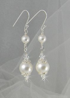 Bridal Earrings Long Dangle Pearl wedding por CrystalAvenues