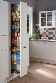 Kitchen Storage | De apothekerskast vergroot de praktische opbergruimte en zorgt voor overzicht.