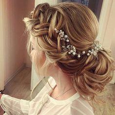 Cudowne upięcie ślubne  #slubnaglowie #weddinghairdecoration  #weddinghair @yulia_dianova  #fryzuradoslubu #fryzuraslubna #bride #pannamloda #bridalprep #bridal #hairstyles #bridalheadpiece #bridalhairinspiration #upięcie #slubny #instalike #instaweddings #instagood #instaslub #omg #perly #bridetobe #bride2016 #warkocz #weddingupdo