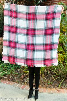 Fashion Friday- How to Tie a Blanket Scarf