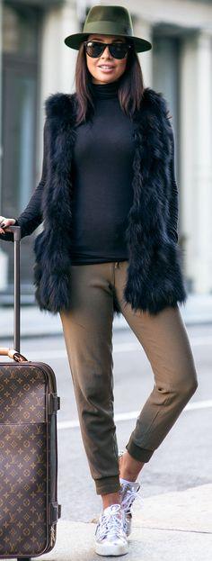 New York Travel Fit Fall Street Style Inspo by Johanna Olsson