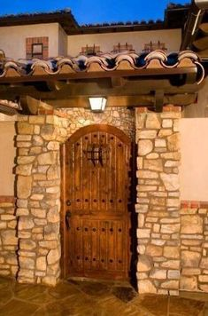 Tuscan design ideas - furniture and kitchen design elements Tuscan Design, Tuscan Style, Rustic Style, Entrance Gates, Entry Doors, Design Toscano, Mexican Nails, Rustic Hardware, Gate Hardware