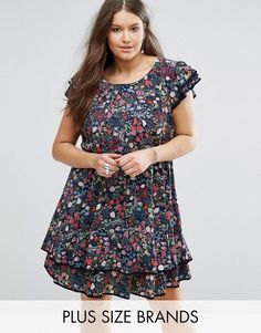 Buy it now. Koko Plus Skater Dress With Frill Hem In Garden Floral Print - Navy. Plus-size dress by Koko Plus, Lightweight woven fabric, Floral print, Scoop neck, Frill sleeves and hem, Regular fit - true to size, Machine wash, 100% Polyester, Our model wears a UK 18/EU 46/US 14 and is 180cm/5'11 tall. , vestidoinformal, casual, camiseta, playeros, informales, túnica, estilocamiseta, camisola, vestidodealgodón, vestidosdealgodón, verano, informal, playa, playero, capa, capas…