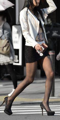 Pantyhose Outfits, Black Pantyhose, Black Tights, Nylons, Beautiful Legs, Beautiful Asian Girls, Silky Smooth Legs, Black Stockings, Women Legs