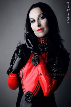 Mme.Chaos in Westward Bound #Latex www.westwardbound.com Foto: Chocolate Eye Photography. Location: Duisburg. Germany — with Mme.Chaos in Duisburg.