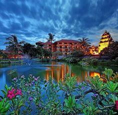 WEBSTA @ ayodyabali - A magical evening atmosphere in our resort. #lagoon #beautiful #ayodyaresortbali #travel 📷: @agusm123