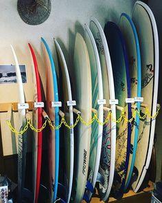 中古ボード販売始めました 気になるボードがあれば是非シーナサーフへ 現金のみでのお支払いでお願いします 真ん中の値段がついていないものは販売対象外です #seanasurf #surfboard #uesd #シーナサーフ #沖縄サーフィンショップ #中古 #中古ボード #okinawa #okinawasurfing Surfing, Baseball, Surf, Surfs Up, Surfs