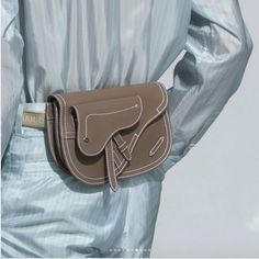 Dior Taupe Saddle Belt Bag Spring 2019 - Dior Purse - Ideas of Dior Purse - Dior Taupe Saddle Belt Bag Spring 2019 Dior Saddle Bag, Saddle Bags, Door Saddle, Dior Purses, Waist Purse, Fashion Mode, Dior Fashion, Fashion Outfits, Outfit Trends