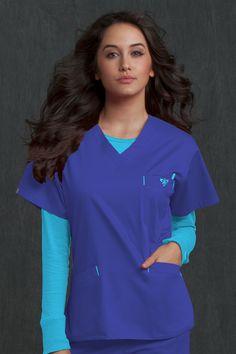 Med Couture Signature Top | Med Couture Scrub Shop #scrubs #uniforms #nurses #nursing #medicalapparel #medcouturescrubs