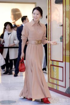 Korean Celebrities, Korean Actresses, My Idol, Cool Style, Disney Princess, Formal Dresses, How To Wear, Queen, Fashion