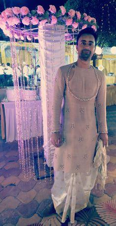 Mens Wedding Wear Indian, Mens Indian Wear, Wedding Dresses Men Indian, Wedding Dress Men, Punjabi Wedding, Indian Weddings, Wedding Couples, Wedding Ideas, India Fashion Men