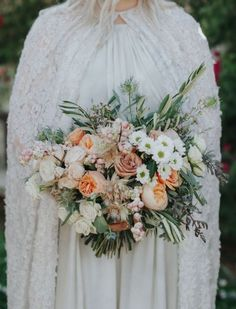 Boho Sophistication Rules this Palm Springs Wedding - Green Wedding Shoes Spring Wedding Bouquets, Spring Wedding Colors, Fall Bouquets, Bride Bouquets, Romantic Wedding Colors, Floral Wedding, Green Wedding, Rustic Wedding Backdrops, Wedding Photography And Videography