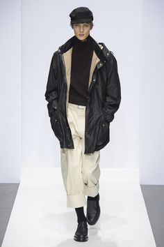 Margaret Howell Runway Collection fall winter 2019 london fashion week presentation co ed men women ready to wear Margaret Howell, Curvy Fashion, Men's Fashion, Winter Fashion, London Fashion, Vogue, La Mode Masculine, Mens Fall, Fashion Show Collection