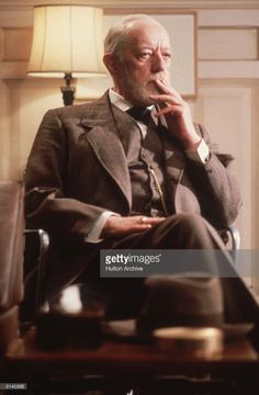 Actor Alec Guinness in a thoughtful mood. Hollywood Stars, Classic Hollywood, Detective Movies, Alec Guinness, George Lucas, Obi Wan, Great British, Too Cool For School, British Actors