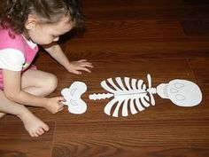 Having Fun at Home: Skeleton Puzzle Kindergarten Science, Preschool Lessons, Teaching Science, Science For Kids, Teaching Kids, Kids Learning, Educational Activities For Kids, Learning Activities, Stem Projects