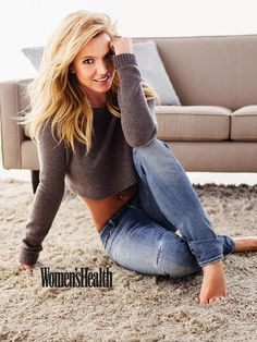 Britney Spears in Women's Health January 2015 | Love this casual look!