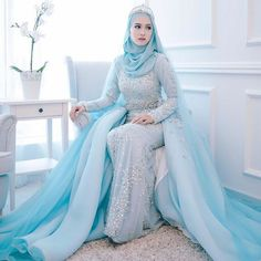 Luxury Mermaid Muslim Wedding Dresses With Hijab Light Blue Long Sleeve Rhinestone Removable Train