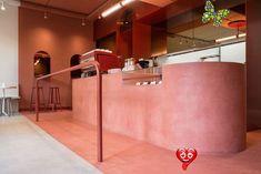 Esta cafetería bicolor de Bruselas es, además, un taller de cocina vegana Esta cafetería bicolor de Bruselas es, además, un taller de cocina veganaelledecoresp<br> La cafetería que además es un taller vegano de mantequilla de nuez, Buddy Buddy es un proyecto del estudio de arquitectura HOP.