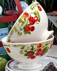 My sister would love these. Her kitchen is decorated with cherries.