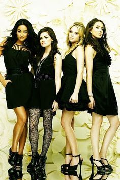 pretty little liars is the bae of all baes