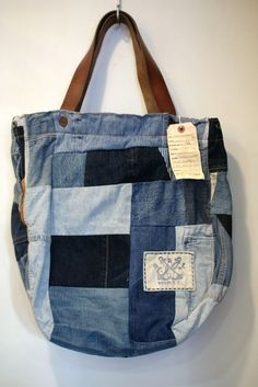 Jean Purses, Purses And Bags, Bag Quilt, Shopping Bag Design, Denim Crafts, Recycle Jeans, Denim Patchwork, Recycled Denim, Denim Bag