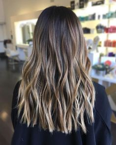 Side Swept Waves for Ash Blonde Hair - 50 Light Brown Hair Color Ideas with Highlights and Lowlights - The Trending Hairstyle Brown Hair Balayage, Brown Hair With Highlights, Hair Color Balayage, Brown Hair Colors, Blonde Highlights, Ashy Balayage, Baylage, Brunette Hair, Blonde Hair