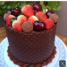 Fondant, Dress Cake, Cake Shop, Pretty Cakes, Mini Cakes, Cupcake Cookies, Let Them Eat Cake, Fun Desserts, Chocolate Cake