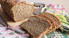 Ciao a tutti! Eccomi tornata con una nuova ricetta, dopo il pan bauletto al latte questa volta vi propongo un nuovo pan bauletto, l'ho realizzato con la fa
