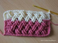 Beautiful Interweave Cable Stitch This crochet pattern / tutorial is available for free. Full Post: Interweave Cable Stitch Beautiful Interweave Cable Stitch This crochet pattern / tutorial is available for free. Crochet Cable Stitch, Gilet Crochet, Crochet Motifs, Crochet Blocks, Crochet Stitches Patterns, Knitting Patterns, Crochet Afghans, Easy Knitting, Knitting Ideas