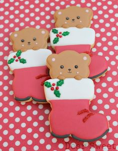 Christmas Bear in a Boot Cookies http://www.sweetsugarbelle.com/2013/12/christmas-bear-in-a-boot-cookies-guest-post/?utm_source=feedburner&utm_medium=email&utm_campaign=Feed%3A+TheSweetAdventuresOfSugarbelle+%28The+Sweet+Adventures+of+Sugarbelle%29&utm_content=Yahoo%21+Mail