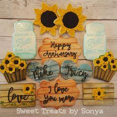 Fall in Love Happy Birthday Cookie, Birthday Cookies, Birthday Cake, Anniversary Cookies, Happy Anniversary, Oak Tree Wedding, Flower Cookies, Wedding Cookies, Cookie Ideas