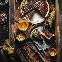 Regram from - Starting the weekend the right way! 😍Tag your photos with and we will regram our favourites Amazing Food Photography, Dark Food Photography, Cake Photography, Chocolate Dreams, Chocolate Pies, Biscuits, Food Flatlay, Cafe Food, No Cook Meals