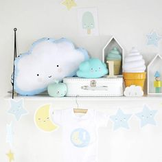 #ALittleLovelyCompany - #slinger #maan en #sterren - #garland #moon and #stars #kidsroom #nursery #decoration #cloud #kawaii #littlethingz2