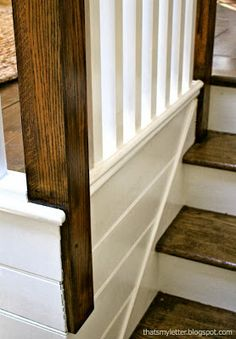DIY::Gorgeous Railing and Staircase Makeover by That's My Letter - love the simple, easy maintenance stairs. This would be great in the rental! Staircase Wall Decor, Staircase Remodel, Front Room, Home, Farmhouse Remodel, Home Remodeling, Front Rooms, Family Room Makeover, Staircase Makeover
